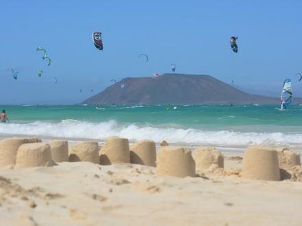 Fuerteventura_holiday-421420_640